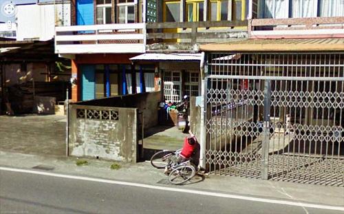 nhung-khoanh-khac-hai-huoc-nhat-tren-google-street-view-3