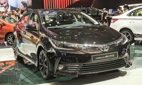 Altis 2017 giá tới 936 triệu - nâng cấp để đấu Mazda3 tại Việt Nam