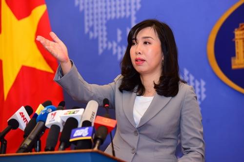 Người phát ngôn Bộ Ngoại giao Việt Nam Lê Thị Thu Hằng trong cuộc họp báo hôm qua. Ảnh: Giang Huy.