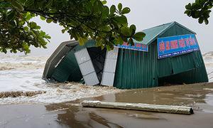 Báo cáo thiệt hại do bão 'tăng, giảm cả trăm tỷ đồng' ở Thanh Hóa