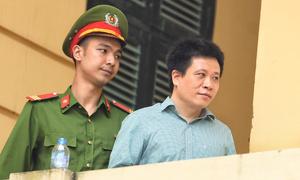 Ông Hà Văn Thắm rời phiên xử với bản án chung thân