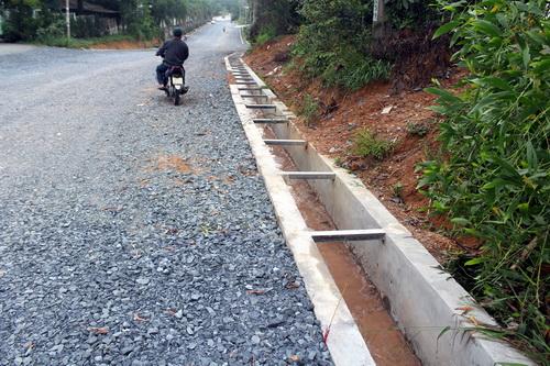 Công trình xây dựng tạm được xác định thi công chui, không xin phép cơ quan quản lý. Ảnh: Phước Tuấn