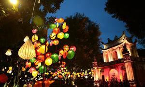 Hàng chục nghìn lồng đèn thắp sáng Văn Miếu trước Tết Trung thu