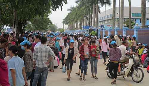 8000-cong-nhan-dinh-cong-vi-doanh-nghiep-khong-co-nha-de-xe-1