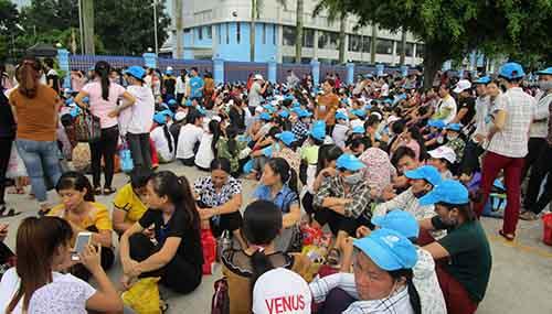 8000-cong-nhan-dinh-cong-vi-doanh-nghiep-khong-co-nha-de-xe