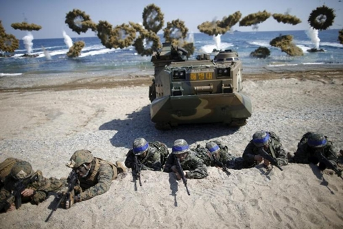 Một cuộc tập trận quân sự chung giữa Mỹ và Hàn Quốc. Ảnh: Reuters.
