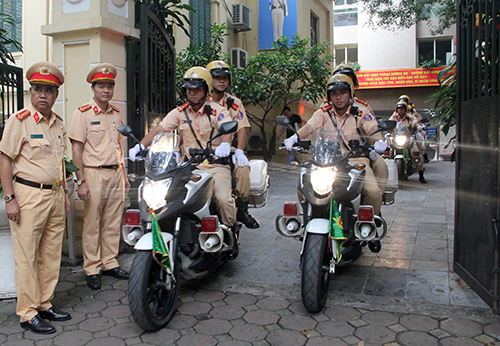 Hà Nội huy động 100 cảnh sát giao thông vào Đà Nẵng phục vụ APEC