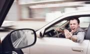 Dừng 10 giây nhường người đi bộ bị tài xế ôtô dọa đánh