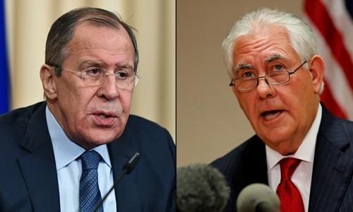 Ngoại trưởng Nga Sergei Lavrov và người đồng cấp Mỹ Rex Tillerson. Ảnh: Sputnik/Reuters.