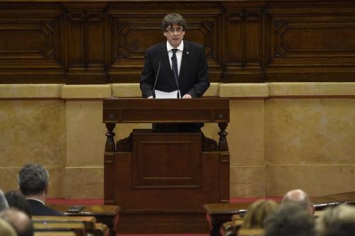 Lãnh đạo Catalonia hôm 10/10 phát biểu trước quốc hội khu vực ở Barcelona, Tây Ban Nha. Ảnh: AFP.