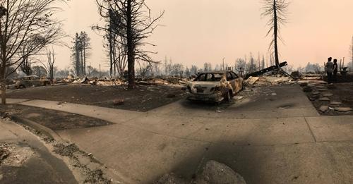 Khu vực nhà ở Coffey Park, thành phố Santa Rosa của người cậu Lý bị cháy rụi. Ảnh: Nhân vật cung cấp.