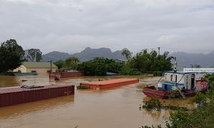 Ninh Bình nâng mức xả tràn để cứu 200.000 dân khỏi ngập
