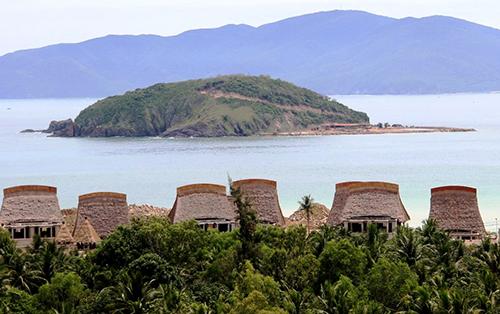 Dự án được cho lấp gần 13.000m2 vịnh Nha Trang. Ảnh: An Phước
