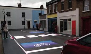 Mặt đường thông minh tự vạch ký hiệu cho người đi bộ