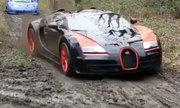 Nhà giàu 'phá' dàn siêu xe hàng hiếm trên đường bùn lầy