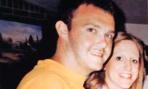 Âm mưu ba lần giết vợ của người chồng đồng tính