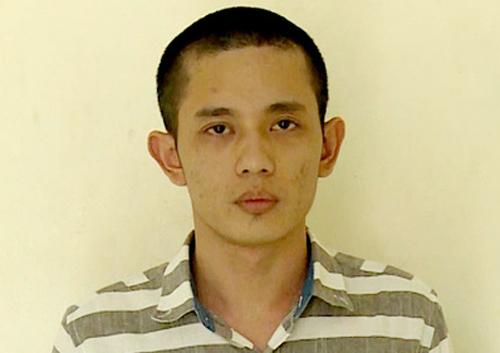 Tuấn bị bắt quả tang khi đang bán lẻ ma túy cho con nghiện trên đảo ngọc Phú Quốc. Ảnh: Công An.