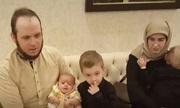 Vợ chồng Canada đẻ liên tiếp ba con khi bị Taliban bắt cóc