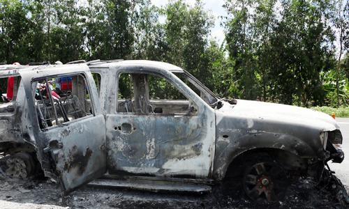 Nhóm giang hồ đốt ôtô chở giám đốc để bịt đầu mối