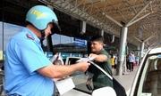 TP HCM mạnh tay xử lý ôtô Grab và Uber ở Tân Sơn Nhất