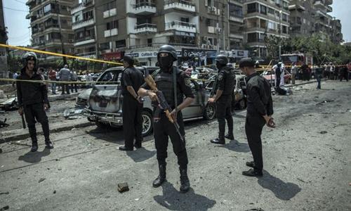 Cảnh sát Ai Cập ở thủ đô Cairo. Ảnh: AP.