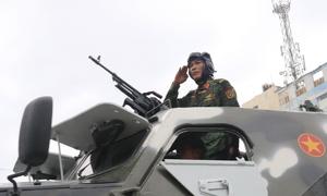Dàn xe đặc chủng của công an, quân đội bảo vệ APEC