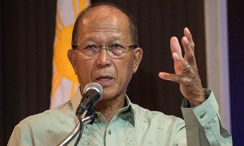 Bộ trưởng Quốc phòng Philippines Delfin Lorenzana. Ảnh: ABS - SBN.