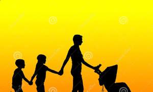 Chênh lệch 18 tuổi có được làm mẹ nuôi?