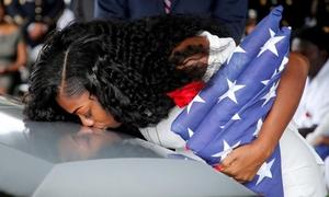Vợ lính Mỹ thiệt mạng cảm thấy tệ hơn khi nghe ông Trump chia buồn