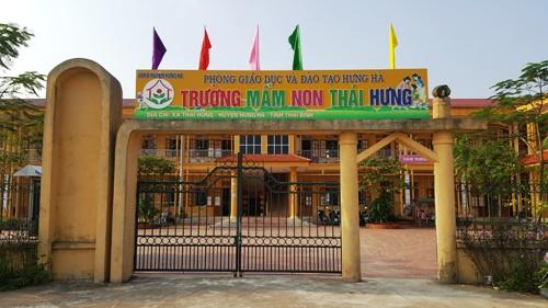 phu-huynh-cau-cuu-cong-an-khi-con-bi-chan-thuong-so-nao-o-lop