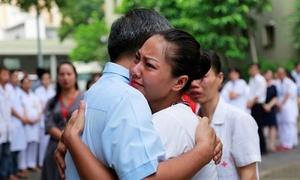 Thầy Văn Như Cương và bác sĩ Nguyễn Anh Trí vào đề Văn