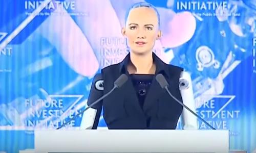 Robot Sophia phát biểu tại hội nghị Future Investment Initiative ở Arab Saudi. Ảnh chụp màn hình: YouTube.