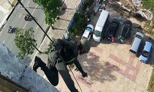 Đặc nhiệm diễn tập đu dây tiêu diệt nhóm khủng bố