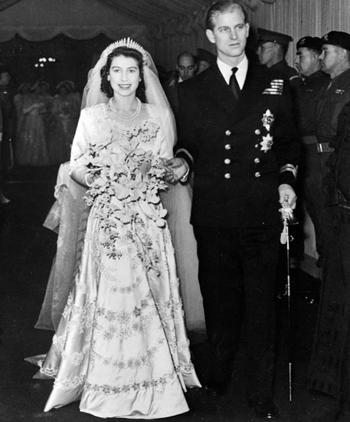 Nữ hoàng Anh Elizabeth và Hoàng tử Philip trong ngày cưới. Ảnh: ITV.