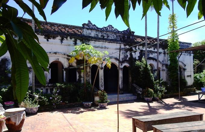 Ngôi nhà 100 tuổi ở Quảng Ninh