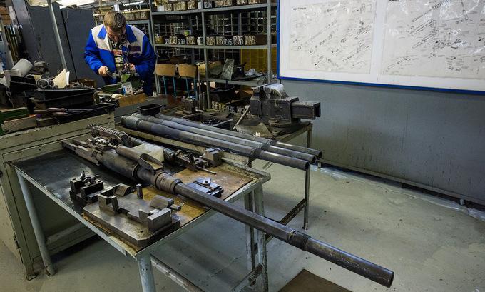 Bên trong nhà máy sản xuất súng AK lớn nhất thế giới