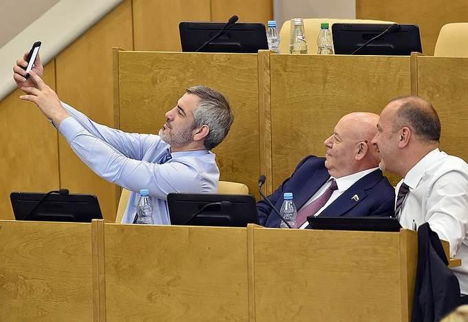 Những khoảnh khắc ấn tượng của các nghị sĩ Hạ viện Nga