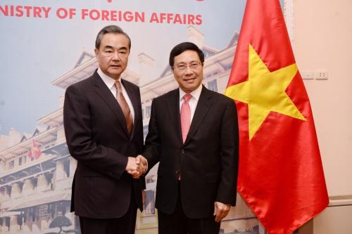 Bộ trưởng Ngoại giao Trung Quốc và Việt Nam gặp tại Nhà khách chính phủ. Ảnh: Giang Huy.