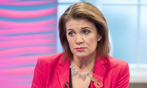 Nhà báo chính trị Julia Hartley-Brewer. Ảnh: REX.
