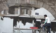 Họa sĩ Hàn Quốc vẽ tranh trên vòm cầu hơn trăm tuổi