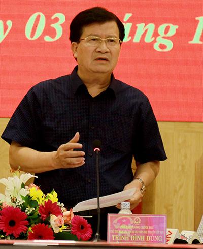 Phó thủ tướng Trịnh Đình Dũng: 'Cưỡng chế người không rời vùng bão'