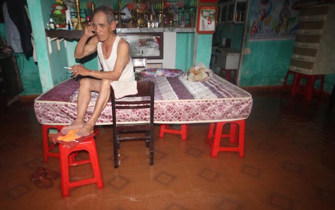 Huyện rốn lũ của Quảng Nam chìm trong nước