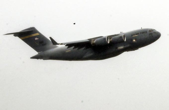 Vận tải cơ đoàn Tổng thống Mỹ đến Đà Nẵng chậm 3 ngày vì mưa lớn