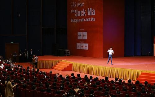 bai-phat-bieu-truyen-cam-hung-cua-jack-ma-tai-viet-nam-1