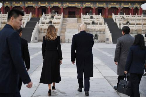 Tổng thống Trump và bà Melania thăm Tử Cấm Thành. Ảnh: AFP.