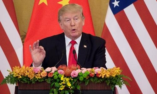 Tổng thống Mỹ Donald Trump phát biểu trong cuộc họp báo chung với Chủ tịch Trung Quốc Tập Cận Bình tại Đại lễ đường Nhân dân ở Bắc Kinh ngày 9/11. Ảnh: AFP.