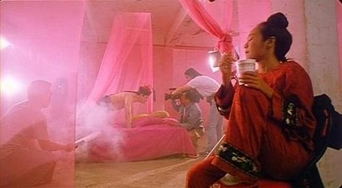 hau-truong-hai-huoc-cua-nhung-canh-nong-trong-phim-trung-quoc-11