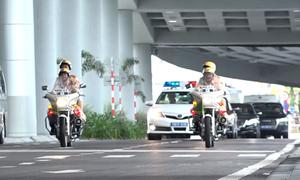 Cảnh sát giao thông trắng đêm dẫn đoàn APEC