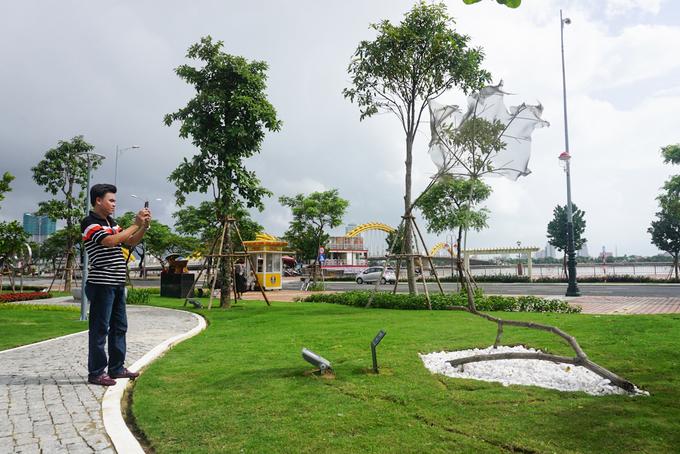 Người Đà Nẵng thích thú với công viên APEC