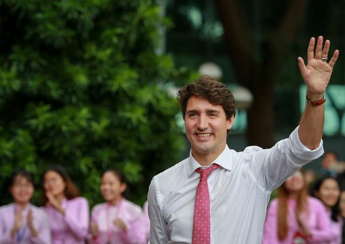 Hàng nghìn sinh viên Đại học Tôn Đức Thắng đón Thủ tướng Canada